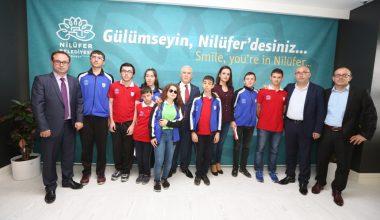 Nilüfer Belediye Başkanı Bozbey Altyapı Sporcularımızı Kutladı
